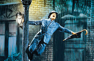 Gene Kelly, singin in the rain