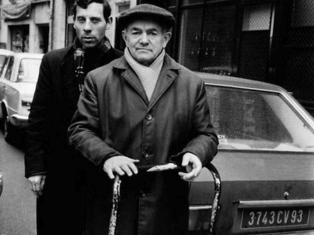 (M. Alter et un autre homme, 34 rue des Rosiers, 1975 / © Alécio de Andrade, ADAGP, Paris, 2013)