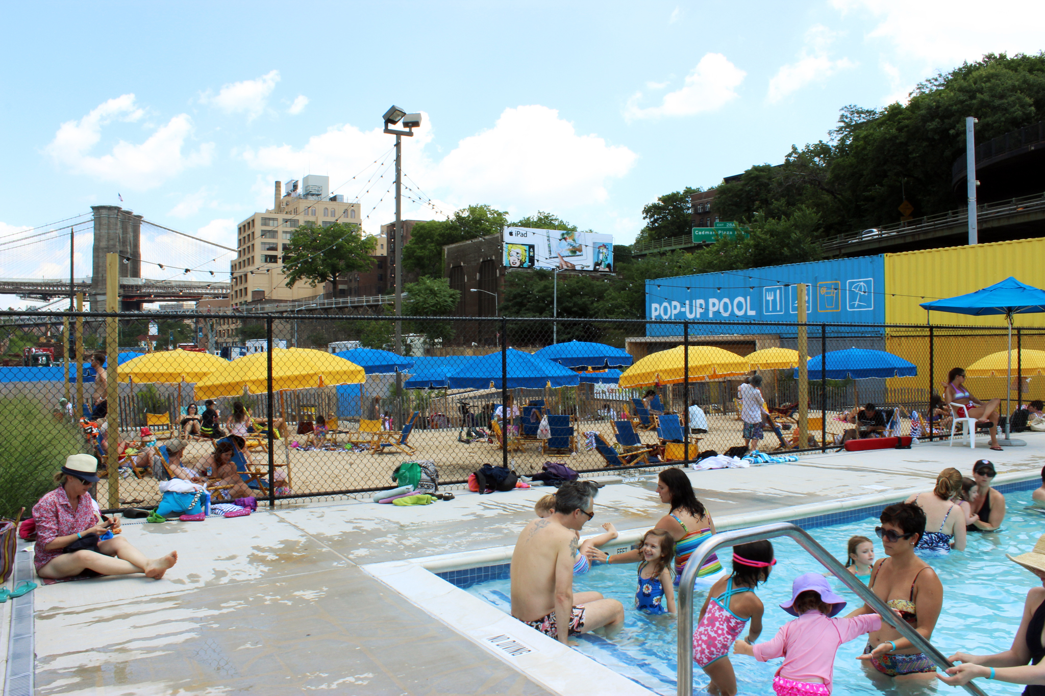 Pop-up pool at Brooklyn Bridge Park
