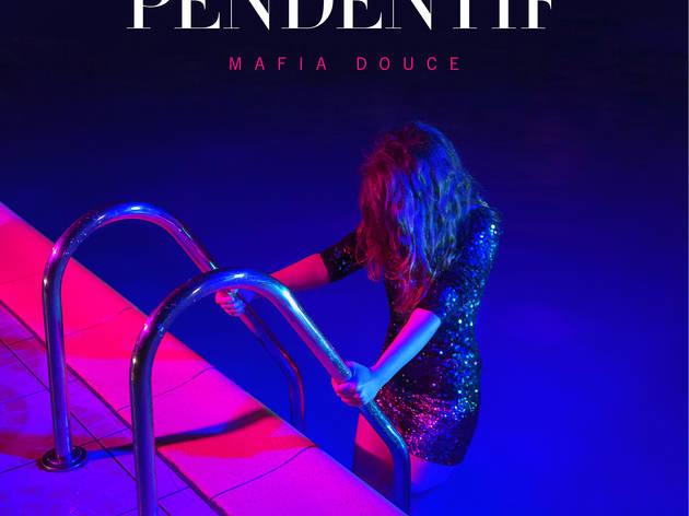 Pendentif ('Mafia douce')