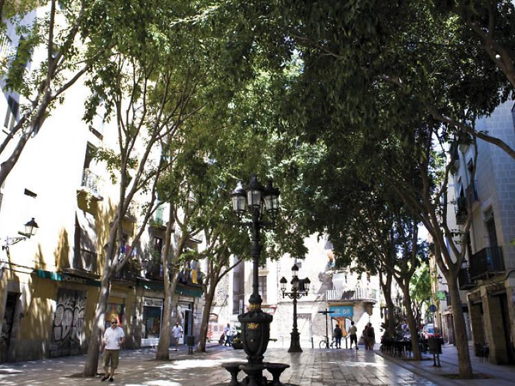 Adentrarse en el Born para llegar hasta la plaça de Sant Agustí Vell