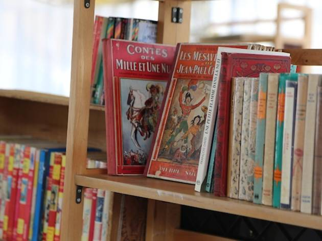 Marche Du Livre Ancien Et D Occasion Shopping In 15