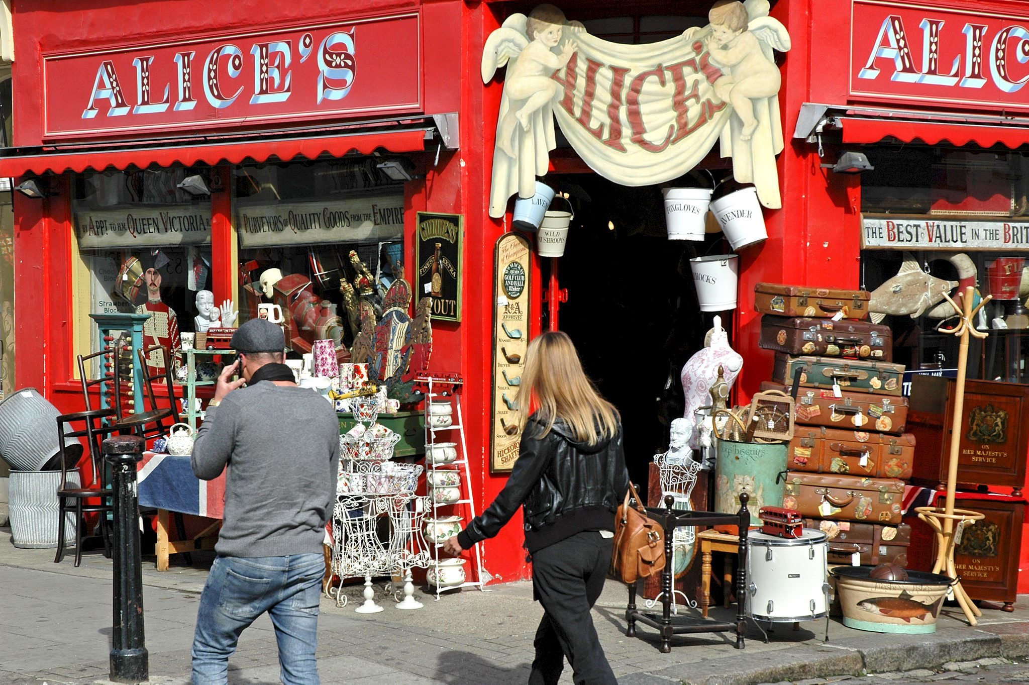 Browse Portobello Road Market and Notting Hill
