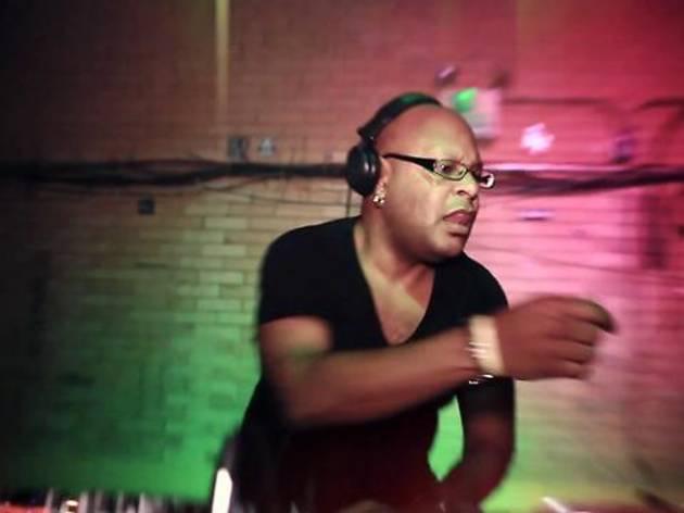 DJ T-1000 + Gus