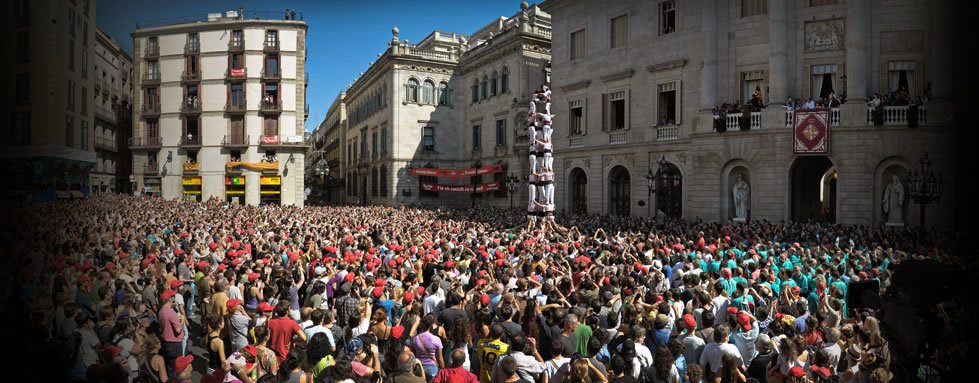Human towers shows