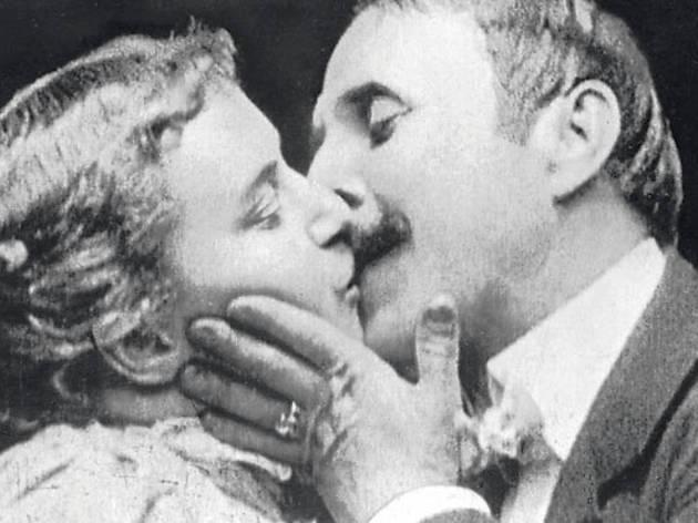 1896 · El primer beso