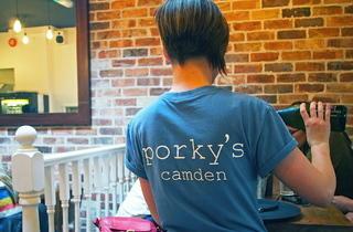 Porky's (© Tina Jui)