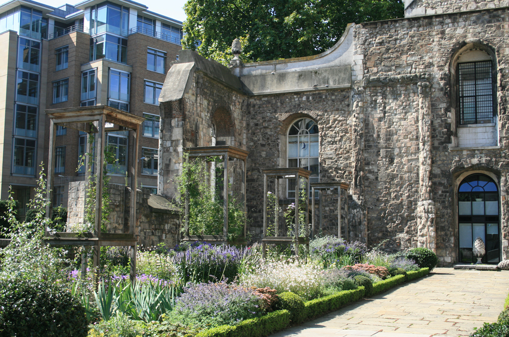 Christ Church Greyfriars Rose Garden