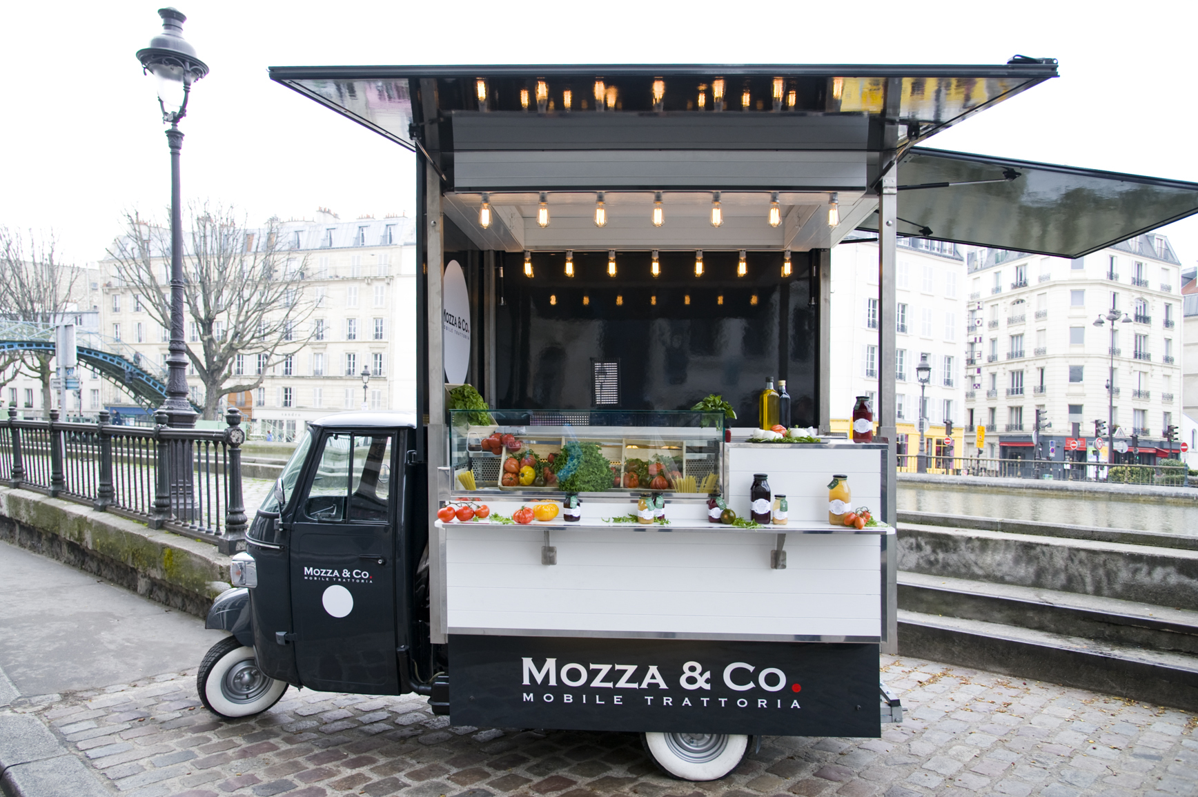 Mozza co restaurants in invalides paris for Food bar 2000
