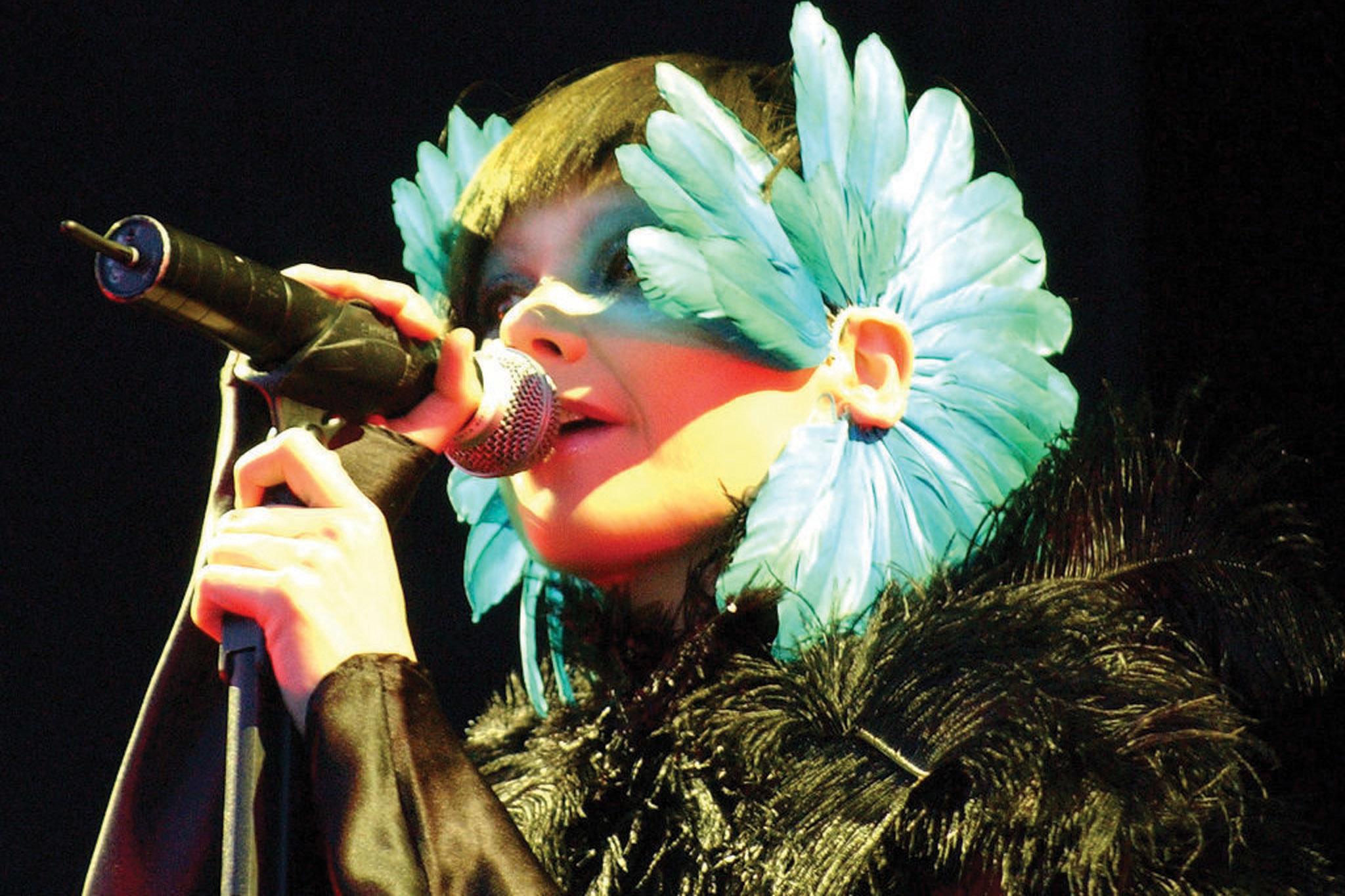 Björk shows!