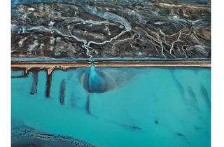 (Photograph: © Edward Burtynsky; courtesy Nicholas Metivier Gallery; Toronto / Howard Greenberg Gallery and Bryce Wolkowitz Gallery; New York)