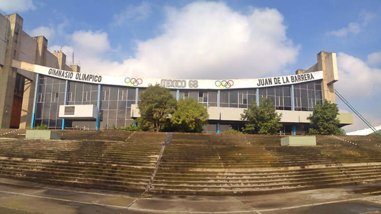 Gimnasio Olímpico Juan de la Barrera