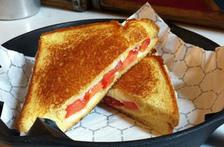 Exclusive Grilled-Cheese Dinner at Say Cheese