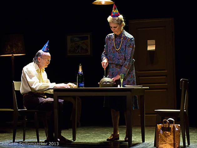 Fin de série, comédie méchante et burlesque en hommage aux vieux