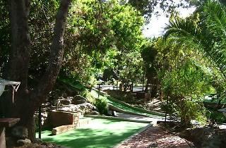 Golf Gardens