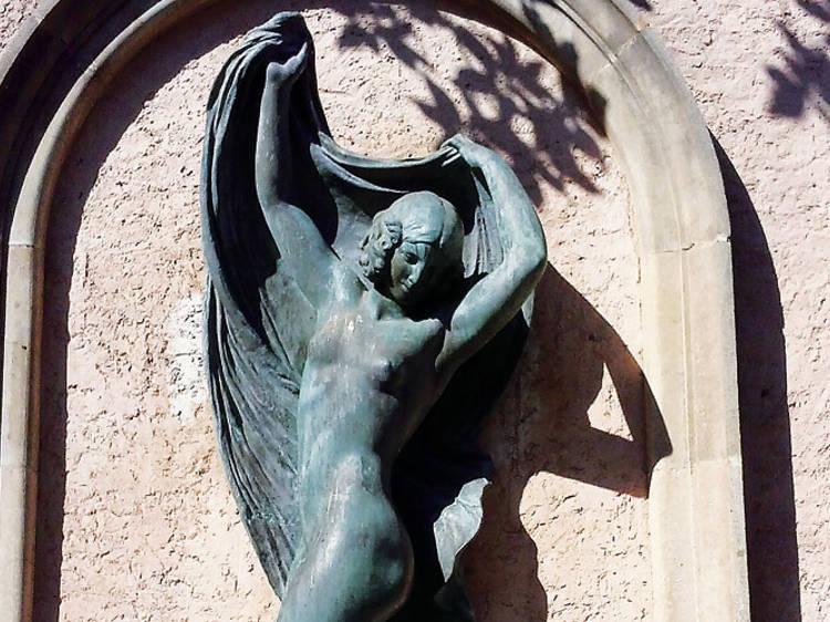 Homenatge esculpit