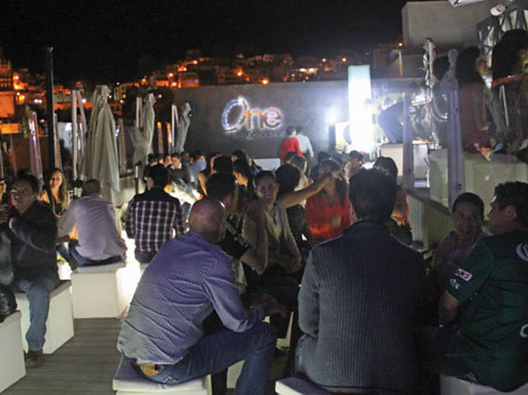 One Bar Lounge
