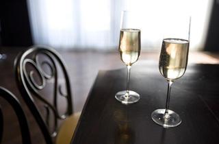 (RM Champagne Salon)