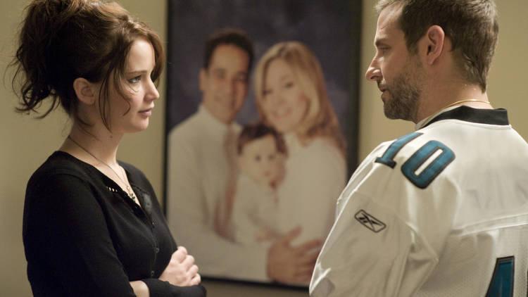 Jennifer Lawrence y Bradley Cooper en escena de Silver Linings Playbook
