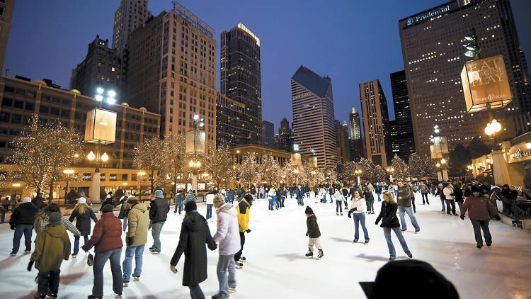 Patinaje sobre hielo en Millennium Park