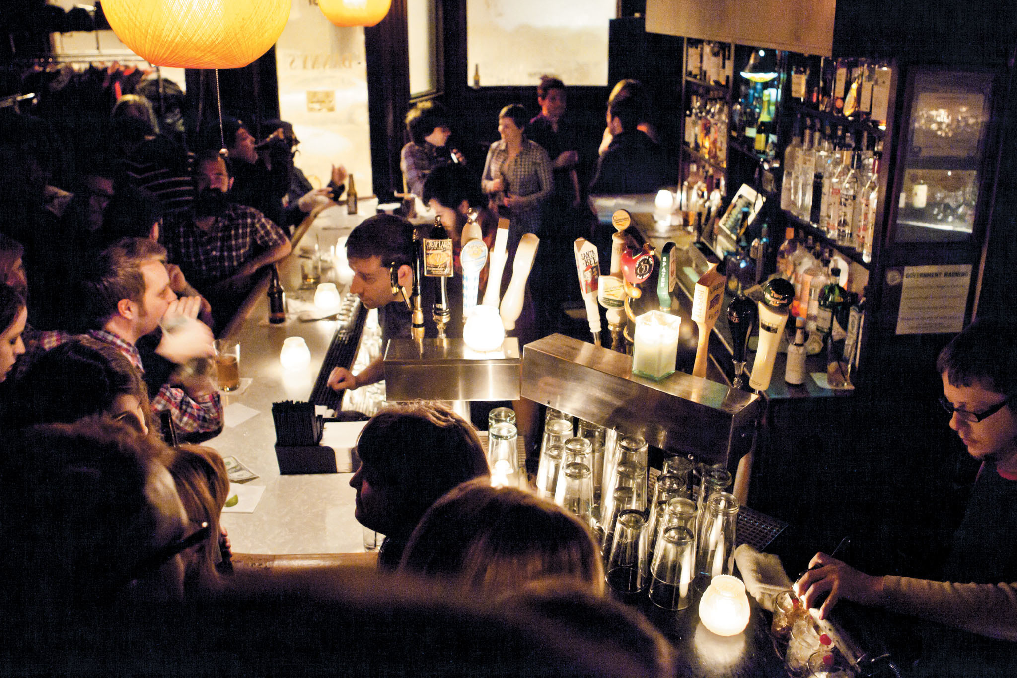 Singles In Best Chicago Bars