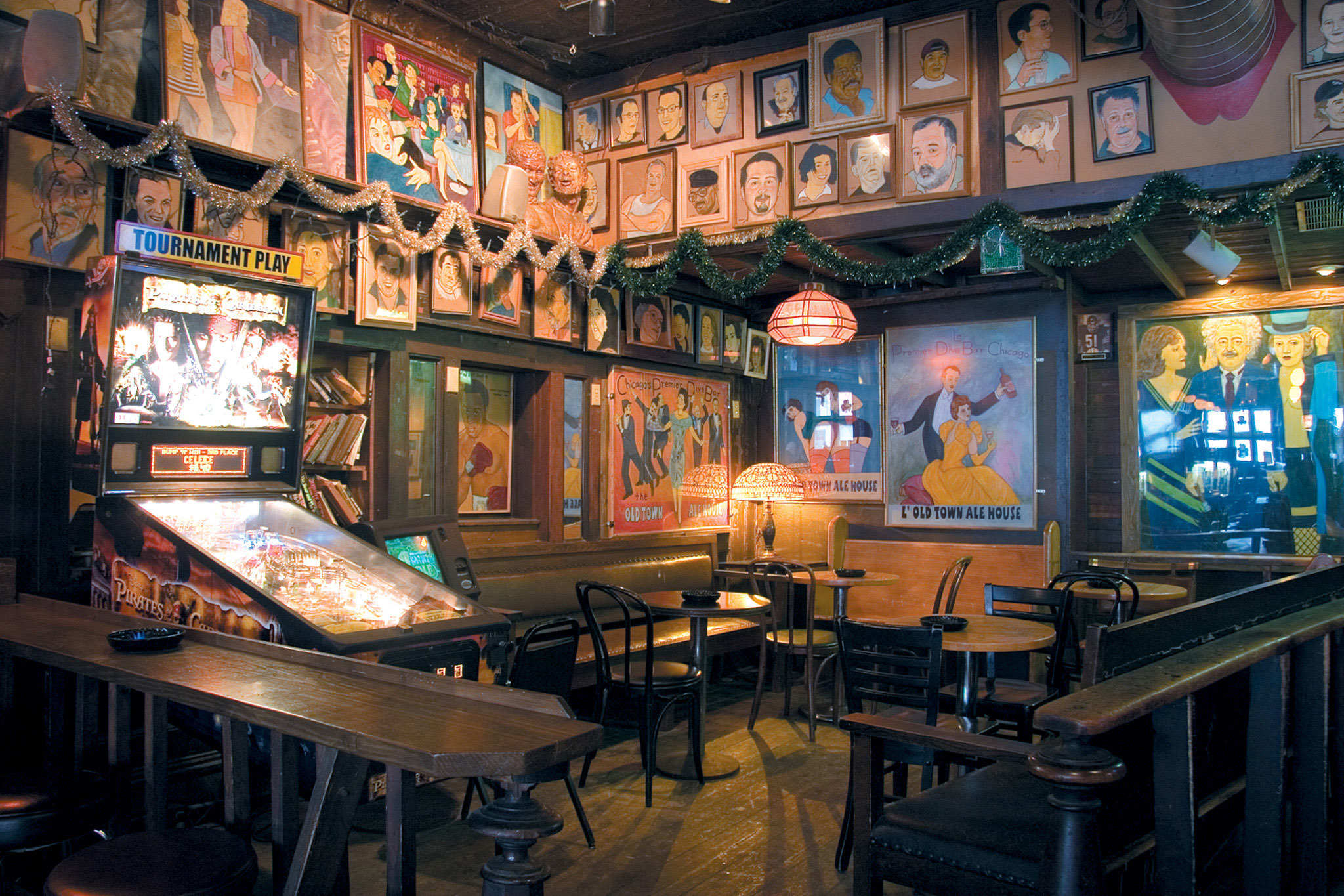 The most legendary dive bars in Chicago