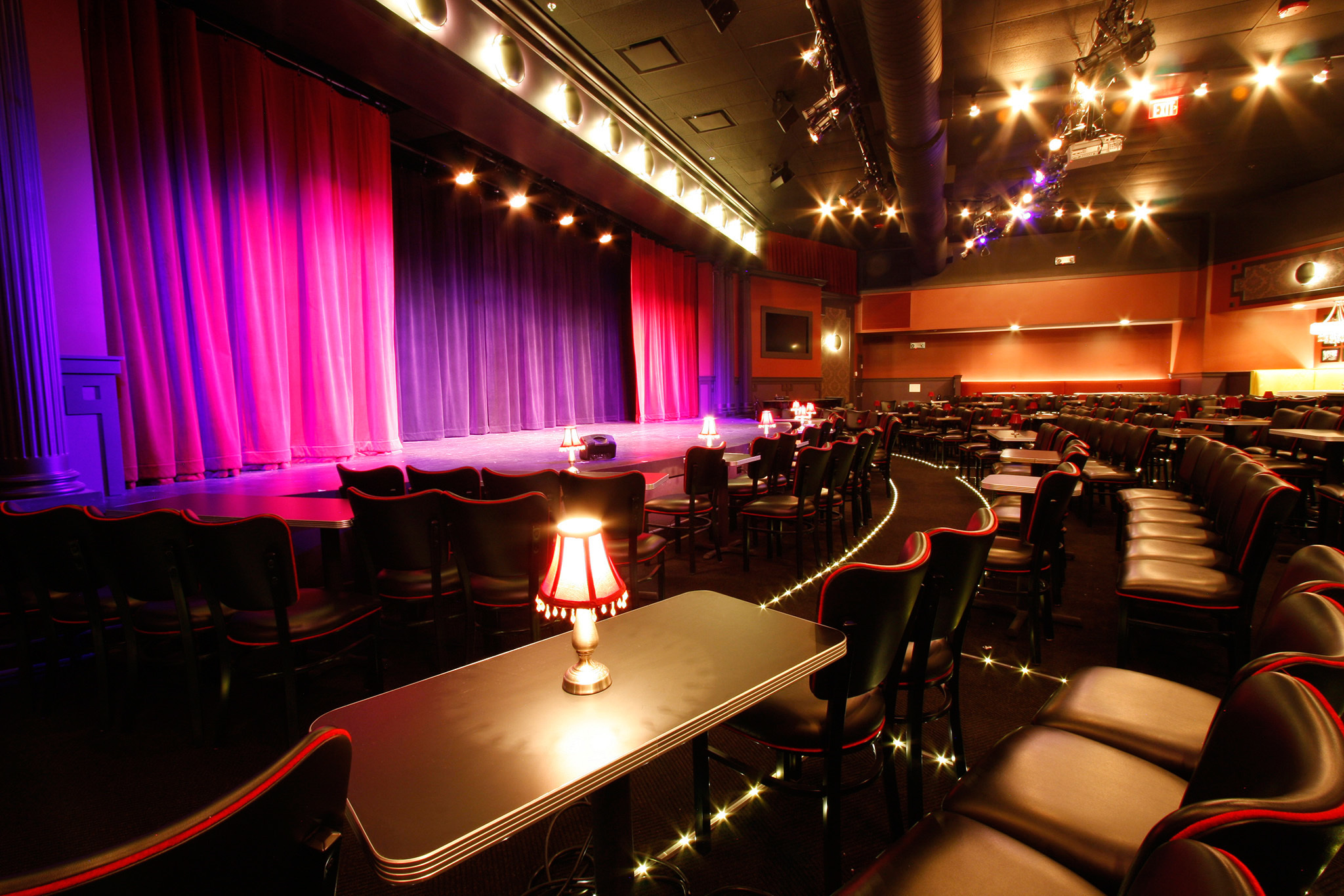 chicago comedy clubs the best places to find the funny in chicago