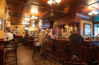 Cavanaugh's Bar & Restaurant
