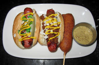 0713.chi.rb.hotdog.oldtownsocial.jpg