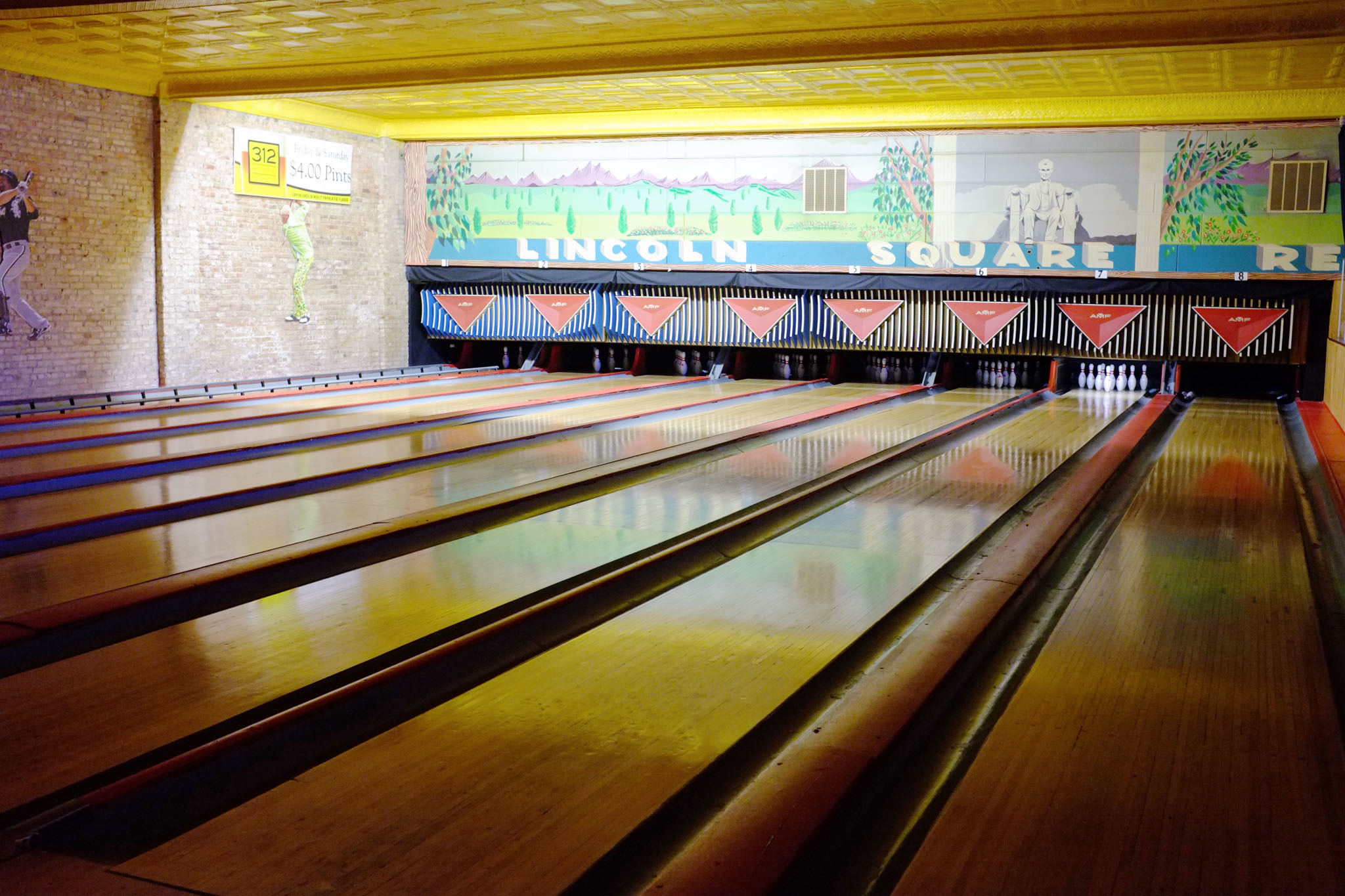 Lincoln Square Lanes