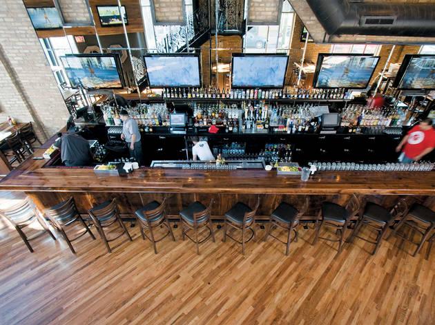 Standard Bar & Grill