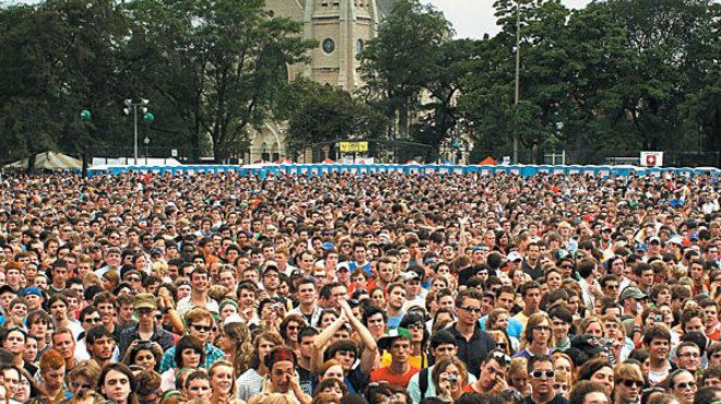 Pitchfork Music Festival packs a crowd into Union Park.