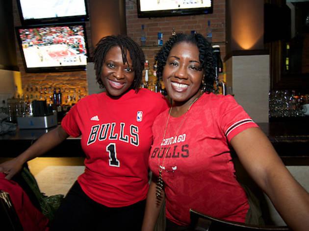 Bulls fans at Bull & Bear 2011