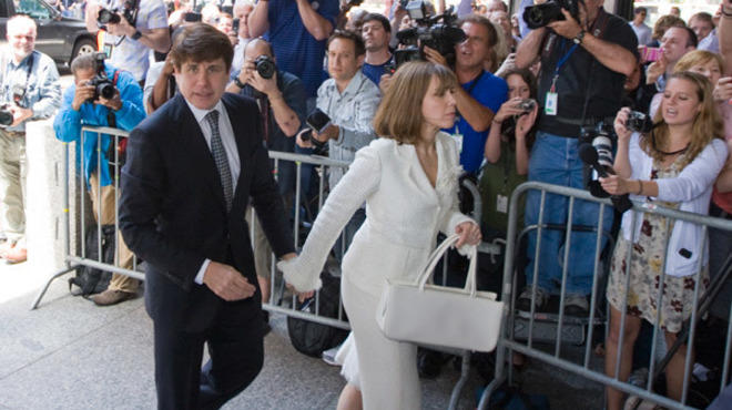 Rod Blagojevich enters Dirksen building to receive verdict in his second trial. June 27, 2011.