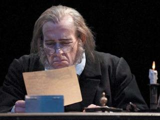 Larry Yando as Ebenezer Scrooge in the Goodman Theatre's 2009 production of A Christmas Carol