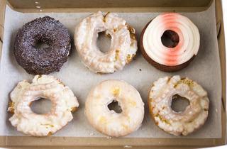 369.wk.Donuts01.jpg