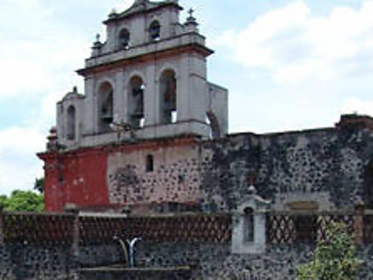 Recorrido nocturno en un convento. Museo de El Carmen