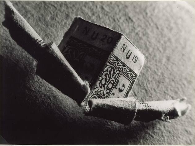 (Brassaï, 'Billet d'autobus roulé', 1932, De la série 'Sculptures involontaires' / Dist. RMN-GP Photo : Georges Meguerditchian, Centre Pompidou © Estate Brassaï – RMN-Grand Pala)