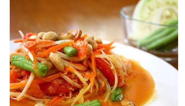 isaan station, thai food, koreatown, papaya salad