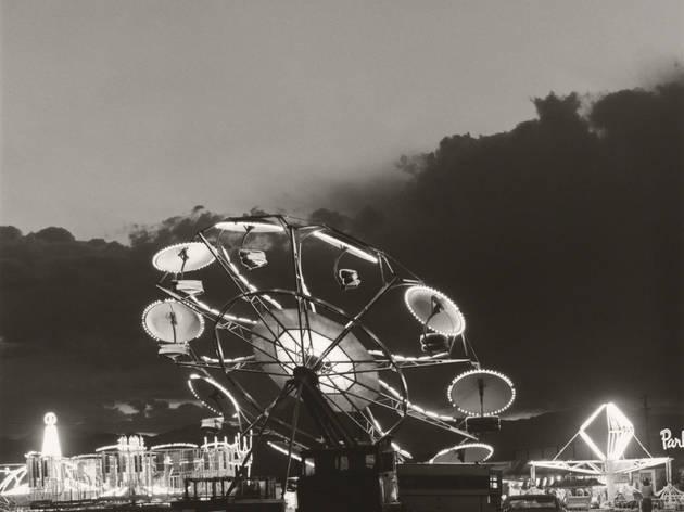 Robert Adams, Longmont, Colorado, 1979. Épreuve gélatino-argentique, 12,7 x 12,7cm. Yale University Art Gallery