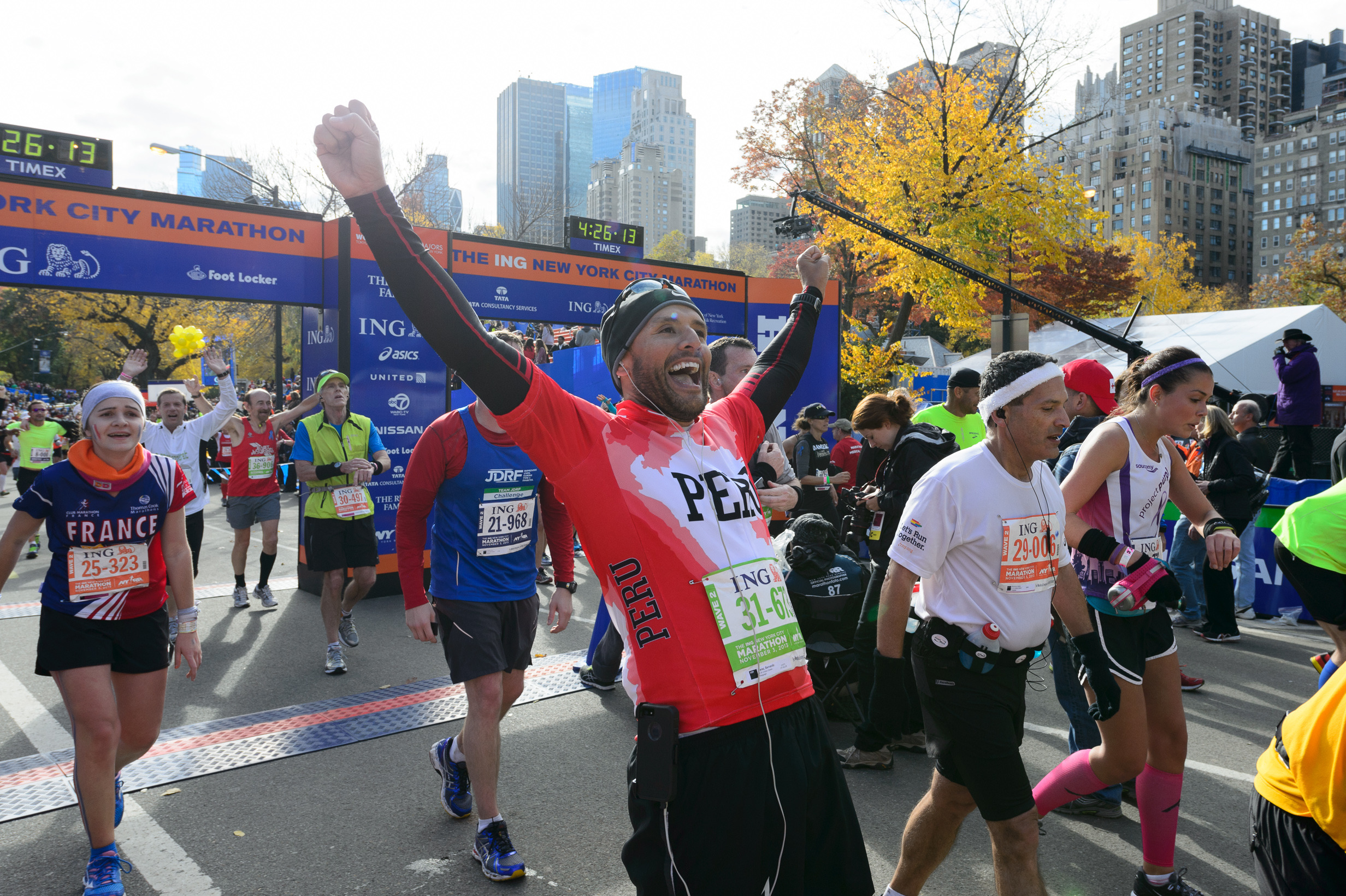 Watch NYC Marathon runners cross the finish line