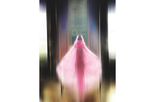 (Burka - Undercover by Jun Takahashi, S/S 2003. Worn to Christian Dior, Haute Couture S/S 2003 (© Nick Knight))