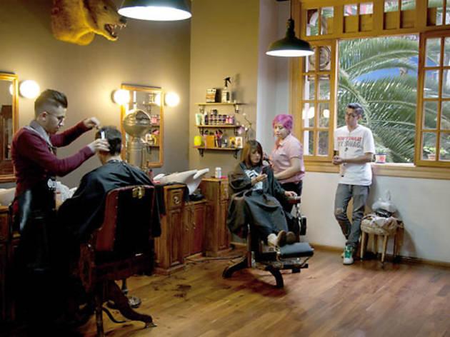 Oldschool Barbería y Anteojería