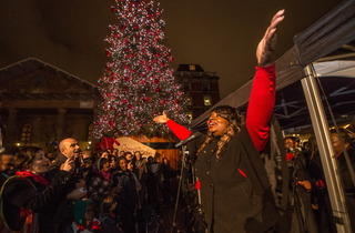 Covent Garden Christmas Lights (© Jeff Moore)