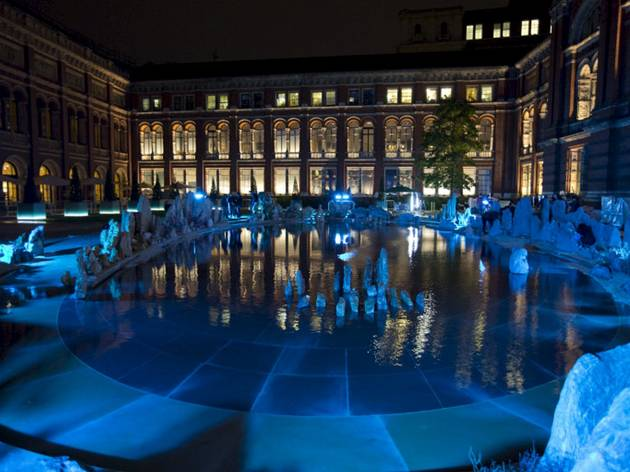Travelling to the Wonderland: Xu Bing installation at the V&A