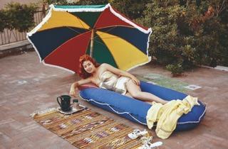 (Salon du camping, Porte de Vincennes, 1960 © Raymond Depardon / Magnum Photos)