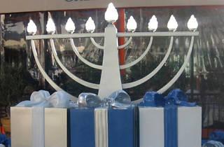 Hanukkah Celebration at Farmers Market