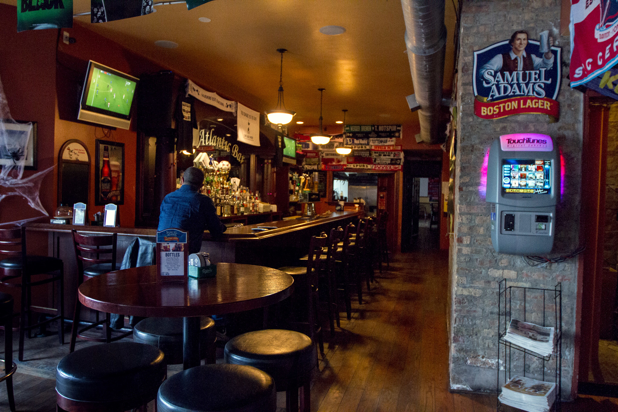 Best Irish Pubs In Chicago For Guinness Irish Whiskey And