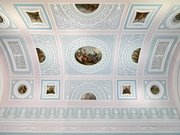 (The newly restored ceiling in the Library at Kenwood House. © ENGLISH HERITAGE / CHARLES HOSEA)
