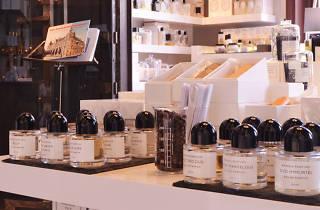Skins Cosmetics Lounge